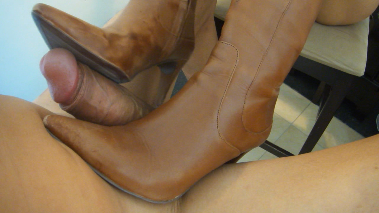 Foot job cum on my wifes feet foot fetish 4